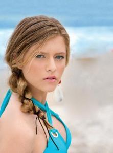 penteado-praia-cuidados-com-o cabelo-no verao-center-cintas